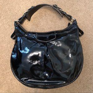 Handbags - Dooney and Bourke handbag.